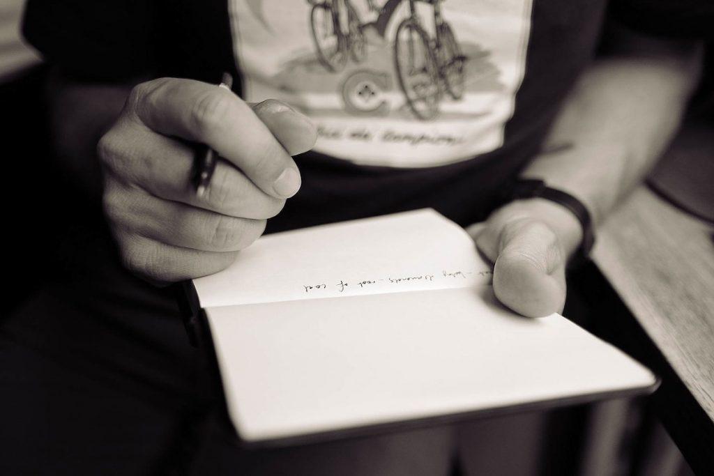 おすすめのペンとメモ帳を紹介!TENTのHINGEに惚れました